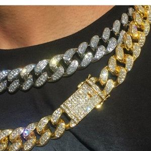 Cuban Link Iced Out Gold Chain VV Lab